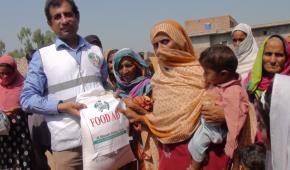 Food Aid for Pakistan's Flood Survivors